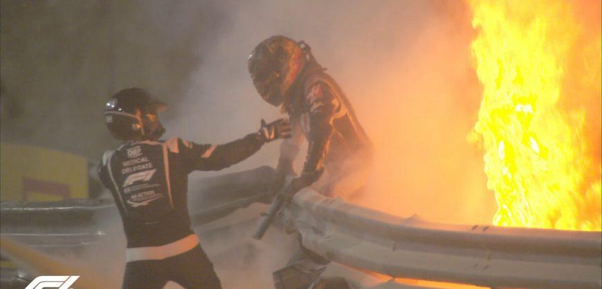 Заезд «Формулы-1» прерван из-за аварии с гонщиком «Хааса» Роменом Грожаном