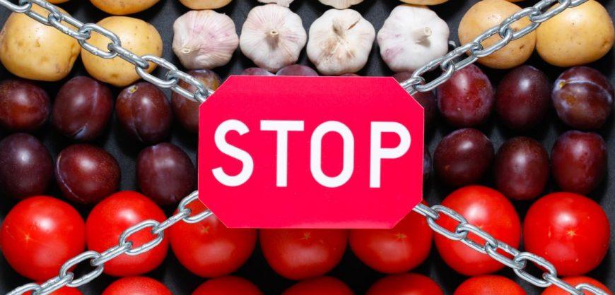 Правительство России продлило запрет на ввоз продуктов из США и стран Европы