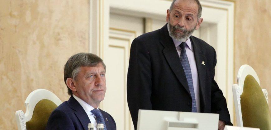 Парламент Петербурга отказался обсуждать индексацию пенсий и разрешение публичных акций