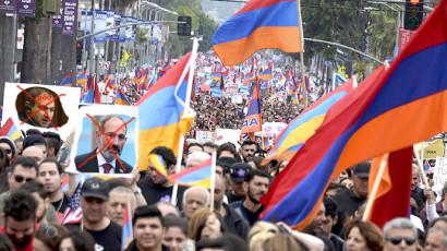 Армянская оппозиция потребовала от президента поддержать требование отставки Пашиняна