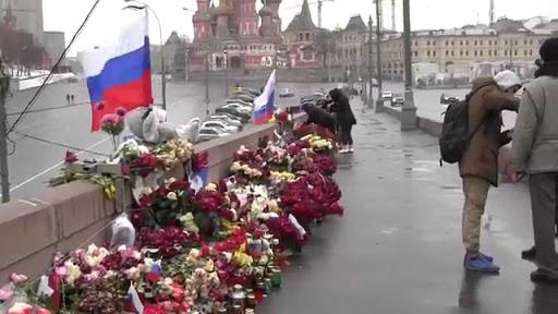 Полиция уничтожила стихийный мемориал в Москве на месте убийства Бориса Немцова