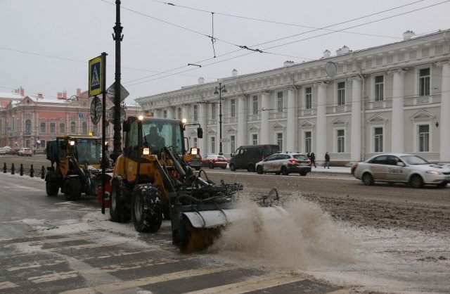 В Петербурге проходят обыски по делу о мошенничестве с уборкой снега на 10 млн. рублей