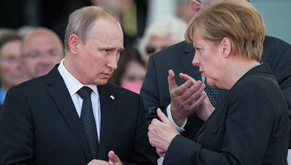 Путин заявил Меркель о праве России перемещать войска на своей территории по своему усмотрению