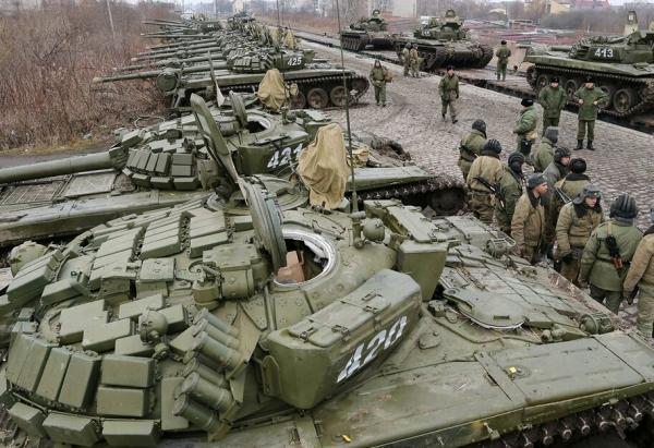 Боррель заявил о беспрецедентном скоплении российских военных у границы с Украиной