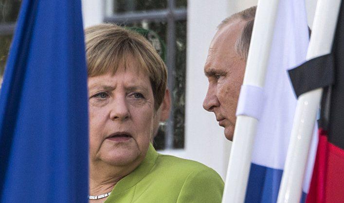 Меркель призвала Путина отказаться от усиления военного присутствия близ Украины