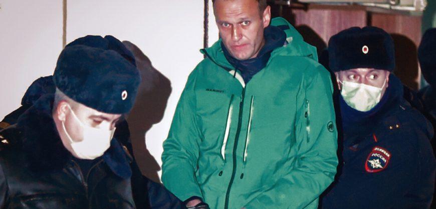 Навальный подал в суд на исправительную колонию за отказ выдать Коран