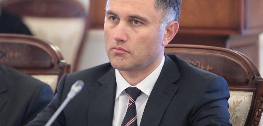 Прокурор потребовал 16 лет колонии для бывшего вице-губернатора Петербурга Оганесяна