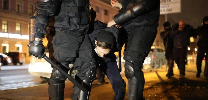 Заксобрание Петербурга не стало обсуждать жёсткие задержания на акции 21 апреля