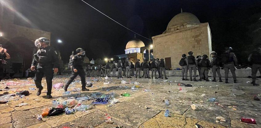 Более 200 палестинцев пострадали в столкновениях с израильскими силовиками в Восточном Иерусалиме