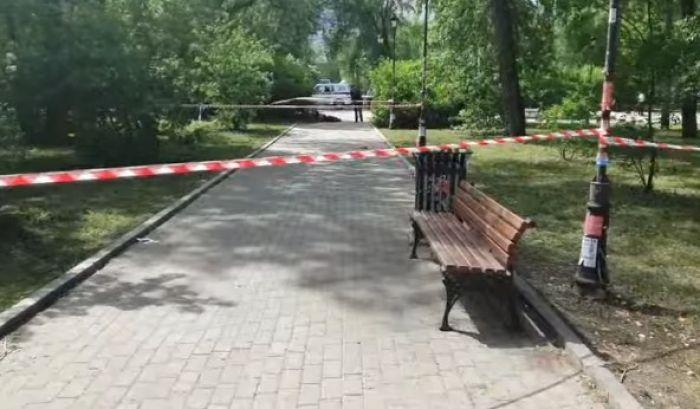 В Екатеринбурге мужчина c ножом напал на прохожих, трое погибли