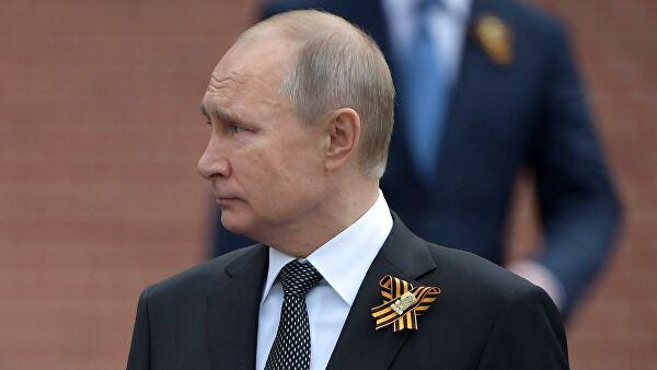 Путин вновь не стал поздравлять с Днем Победы лидеров Украины и Грузии