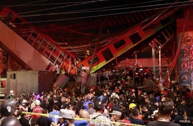 В Мехико при крушении метромоста с идущим по нему поездом погибли 20 человек