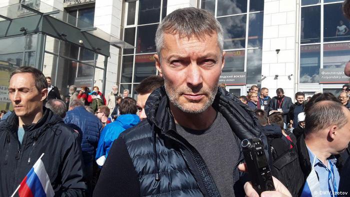 Экс-мэра Екатеринбурга Евгения Ройзмана арестовали за твиты о митингах в поддержку Алексея Навального