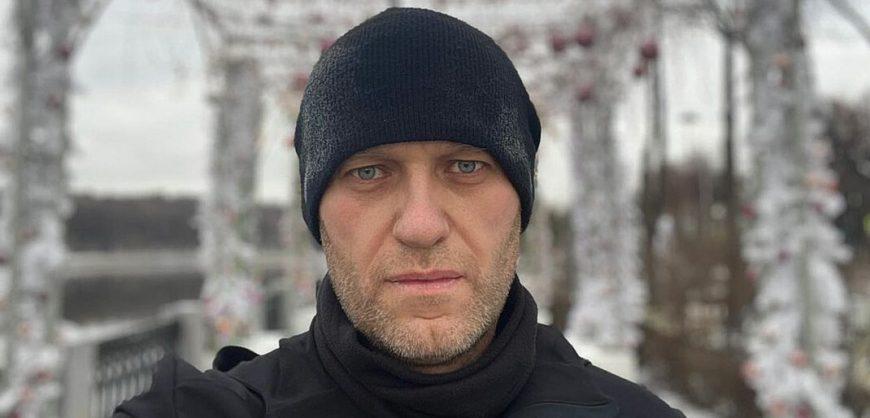 Навальный подал в суд на ИК-3 из-за запрета адвокатам проносить на встречи телефоны и ноутбук