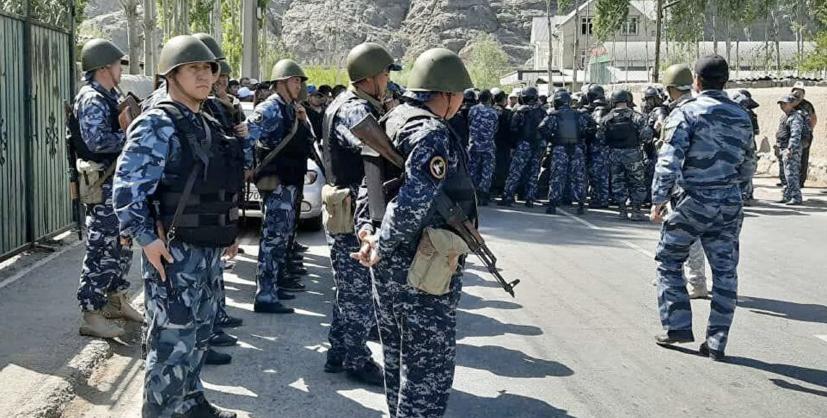 Киргизия и Таджикистан завершили отвод войск от границы