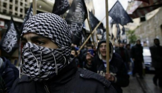«Действуйте. Речь идет о выживании страны». Французские военные вновь предупредили власти об угрозе гражданской войны