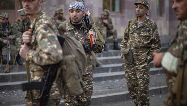 Азербайджан взял в плен шестерых армянских военных, обвинив их в попытке перейти границу