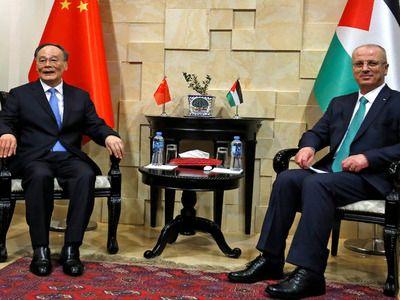 Китай заявил о поддержке «законных прав палестинцев»