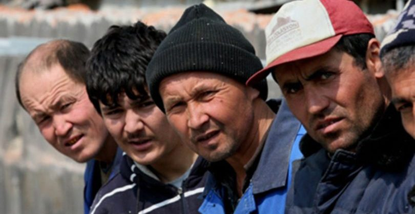 Путин продлил до 30 сентября мораторий на выдворение мигрантов из России