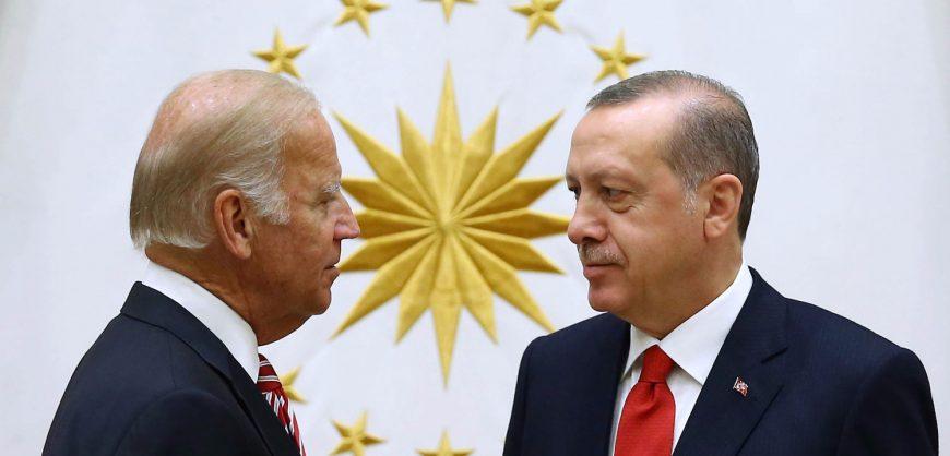 Эрдоган уведомил Байдена, что Турция не откажется от покупки российских С-400
