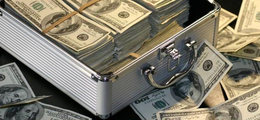 Россия полностью откажется от доллара в Фонде национального благосостояния