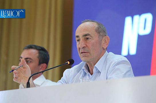 Выборы в Армении: в центральном штабе блока Кочаряна начались обыски