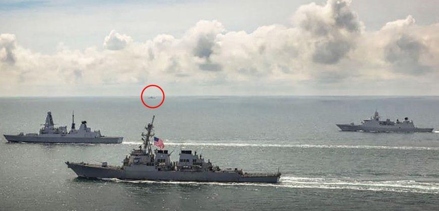 Российский Су-24 сбросил предупредительные бомбы по курсу британского эсминца у берегов Крыма