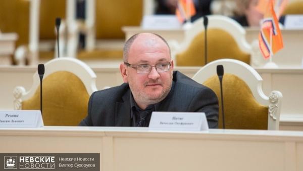 Петербургский оппозиционный депутат Максим Резник задержан по делу о хранении наркотиков