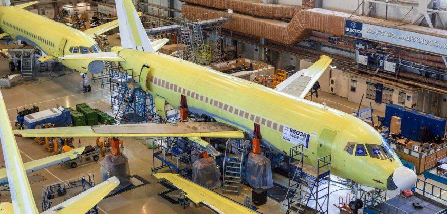 «Коммерсантъ»: власти планируют выделить из ФНБ 1,8 трлн рублей на создание конкурентных самолетов