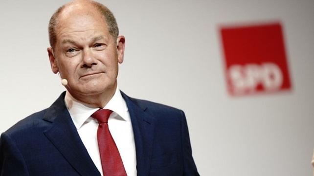 На вторых теледебатах кандидатов в канцлеры ФРГ вновь победил социал-демократ Олаф Шольц