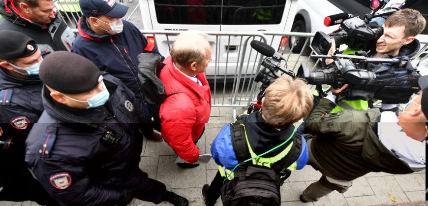 Полиция заблокировала горком КПРФ, готовивший иск против результатов электронного голосования