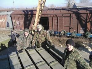 1426795202_Terroristy-gotovyatsya-k-obstrelam-prignali-v-Krasnodon-12-vagonov-s-boepripasami