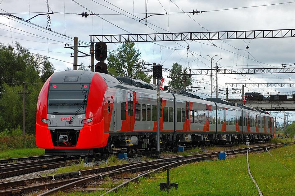 Завод «Уральские локомотивы» выпустил сотый электропоезд «Ласточка»
