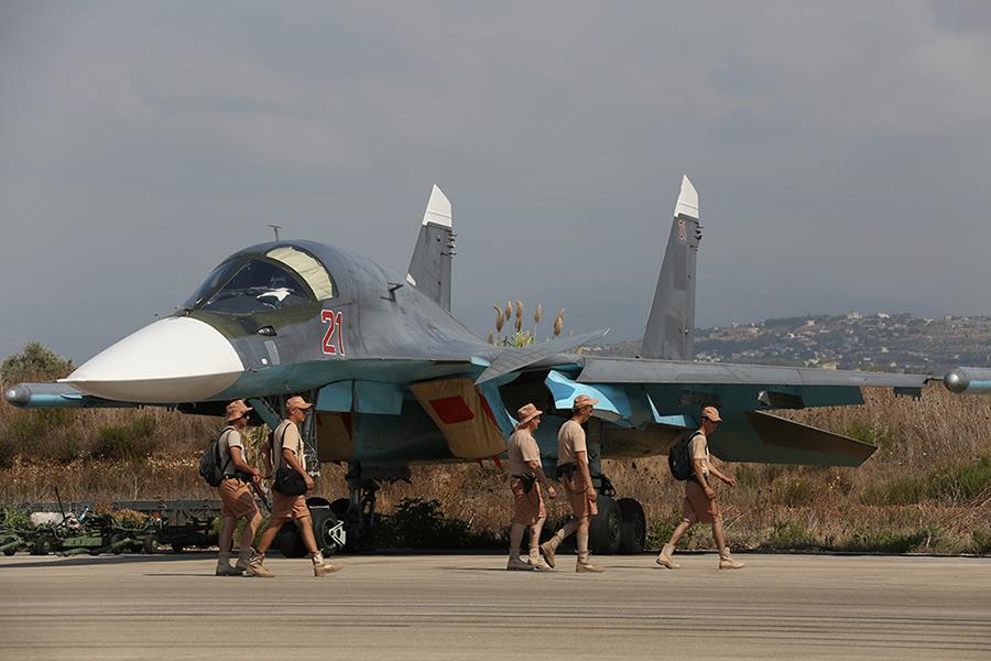 Военные сирийской армии ведут наступление наЭль-Карьятейн