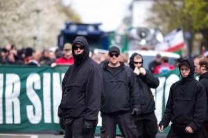neonazis-belagern-hamburg-voelkische-siedler-1467621311