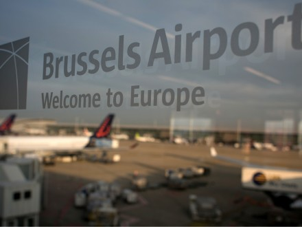 СМИ проинформировали, что на 2-х подлетающих кБрюсселю самолетах заложена бомба
