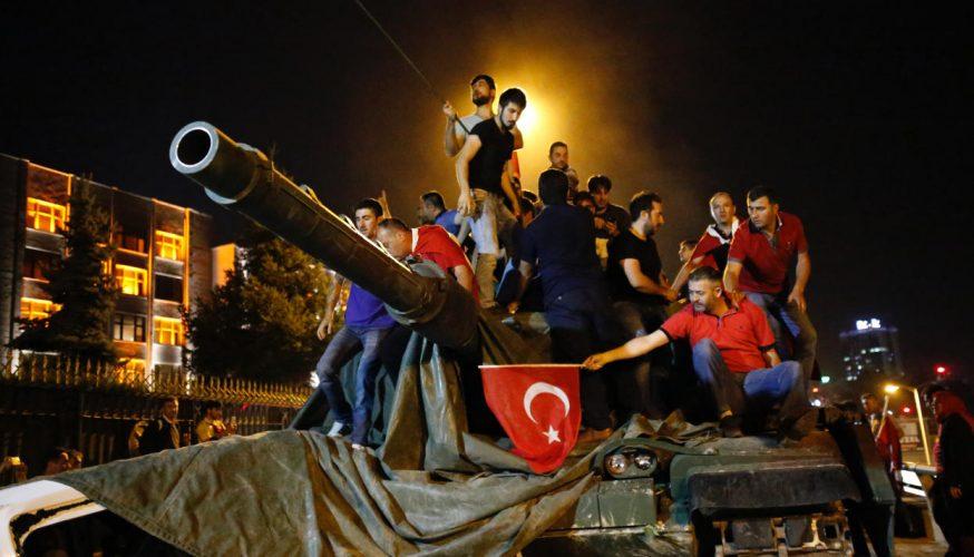 Турция выдала ордер наарест Гюлена