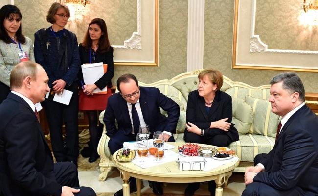 Путин играет существенную роль ввопросе предотвращения огня вАлеппо— Меркель