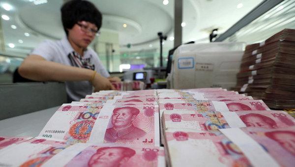 Курс юаня кдоллару обновил исторический минимум