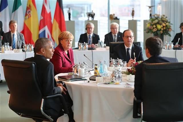 Барак Обама иевропейские лидеры считают нужным сохранять санкции вотношении РФ