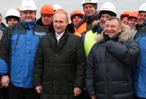 Медведев выделил Ротенбергу 16,9 млрд рублей на строительство подходов к Керченскому мосту