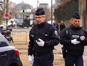 Во Франции объявлена террористическая угроза после стрельбы в школе Граса