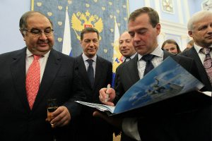 Усманов подаст в суд на Навального за «клевету» о передаче Медведеву дома и участка на Рублевке