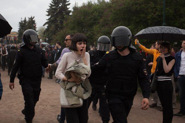 Суды Петербурга назначили наказание 522 задержанным наМарсовом поле