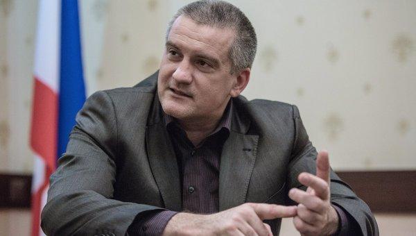 Аксенов намерен отправить в отставку