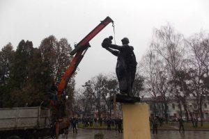 сносе советских памятников