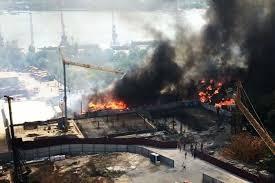 Поджог считают основной версией крупного пожара в Ростове-на-Дону