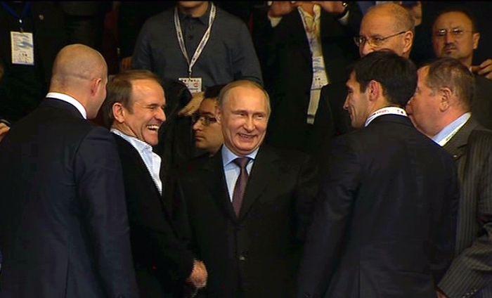 ВКрыму Путин взакрытом режиме обсуждал сМедведчуком ситуацию вУкраинском государстве