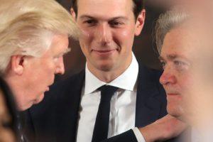 Трамп подозревает советника Бэннона в утечках информации