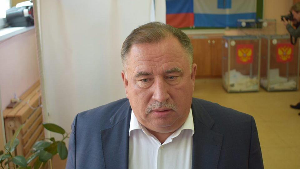 Валерий Радаев проголосовал наизбирательном участке